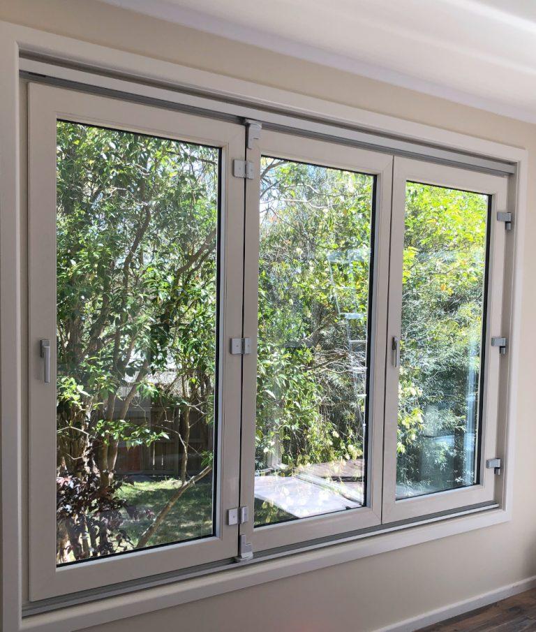 3 paneled folding window
